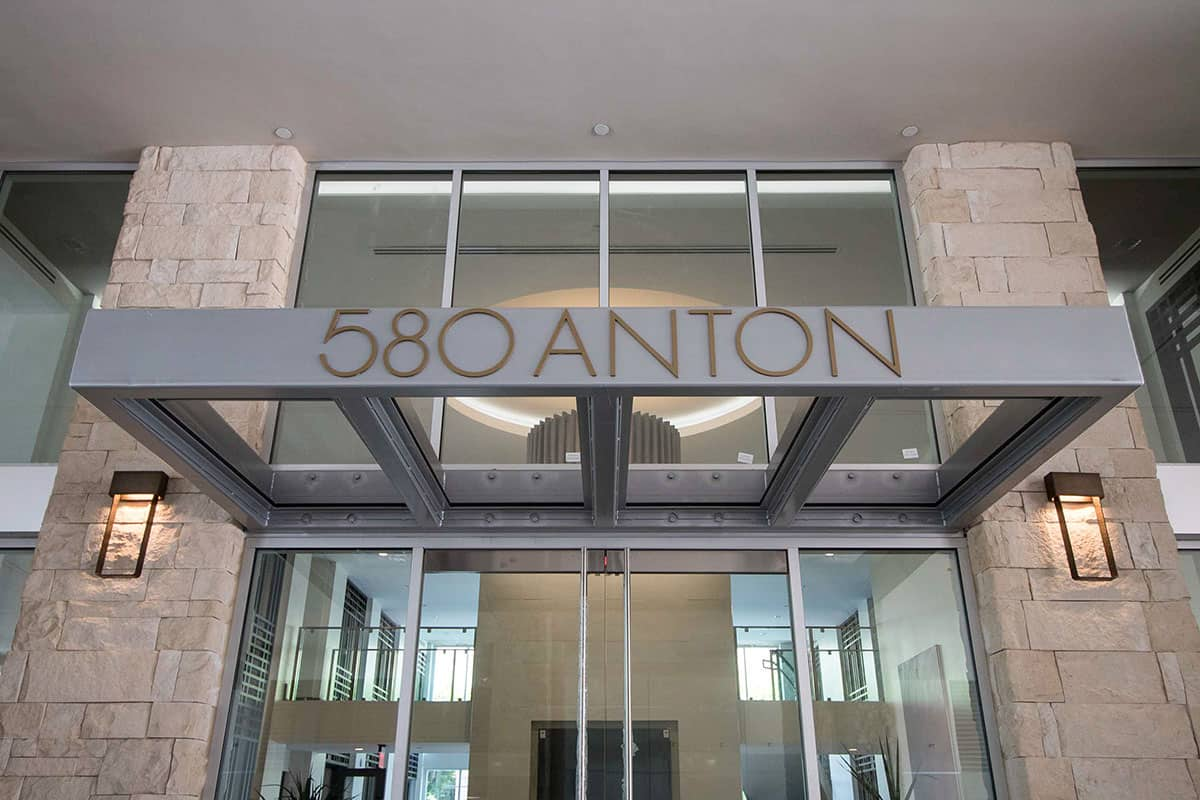 580 Anton Lobby Entry