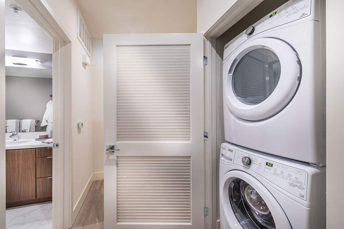 580 Anton Laundry